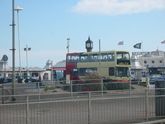 Brighton & Hove 712. (Of interest to me) Tags: palacepier t813rfg brightonhovebuses dennistrident2eastlancslolyne eastlancslolyne brightonaquarium