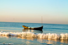 crushed (Fiaz10's snaps) Tags: waves crushed bangladesh chittagong coxs bazar sea idle photography dslr fiaz10 beautiful color play