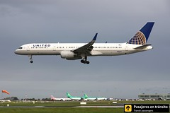 Boeing B757 United (Ana & Juan) Tags: airplane airplanes aircraft airport aviation aviones aviación boeing 757 b757 landing ireland dublin dub eidw spotting spotters spotter planes canon closeup clouds