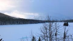 Lake Minnewanka, Banff (Keith Roper) Tags: banff snow mountains rockymountains lakeminnewanka frozenlake