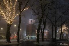 Cold and foggy (Rene Mensen) Tags: emmen drenthe mist foggy night light church grote kerk long exposure st pantrius