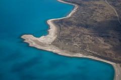Sarmiento shore (eMinte) Tags: helicoptero sobrevuelo lago sarmiento lake chile agua blue azul blau torresdelpaine nationalpark
