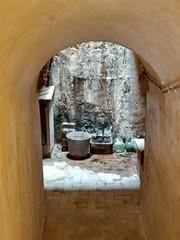 Cisterna (Fotero) Tags: barcelona monasterio convento pedralbes aljibe cisterna agua