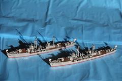 1/700 IJN escorts Mikura and Miyake by Pit-Road (szogun000) Tags: canon japanese model ship plastic kit naval escort warship 1700 miyake mikura ijn auxiliary skywave pitroad imperialjapanesenavy w142 skywaveseries canoneos550d canonefs18135mmf3556is