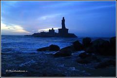 5542 - Thiruvalluvar Statue at dawn (chandrasekaran a 34 lakhs views Thanks to all) Tags: sea india saint statue sunrise tamilnadu philosopher kanyakumari thiruvalluvar bayofbengal vivekananda tamils vivekanandarock thirukural canoneos760d