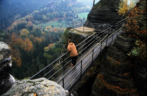 "Elbsandsteingebirge (046) Felsenburg Neurath • <a style=""font-size:0.8em;"" href=""http://www.flickr.com/photos/69570948@N04/21734743446/"" target=""_blank"">View on Flickr</a>"