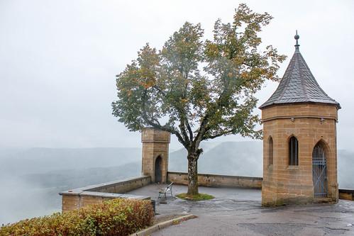Bastion Schnarrwacht dans la brume au château de Hohenzollern (alt. 855 m)