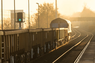 DB Class 66/0 no 66076 at Mansfield Station on 01-11-2015 with a Saxilby to Toton Engineers Train
