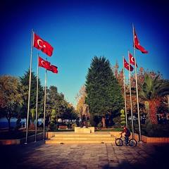 #atatürk #ata #ataturk #türkiye #turkey #türkbayrağı #türk #turkiye #turkbayragi #güzel #vatan #turkey #çocuk #bisiklet #anıt