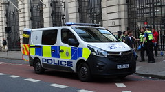 British Transport Police B428   Cell Van   Vauxhall Vivaro   LJ15 LKG (CobraEmergencyPhotos) Tags: lj transport cell police 15 british van vauxhall policevan btp lkg vivaro britishtransportpolice vauxhallvivaro lj15 b428 cellvan beatcell lj15lkg