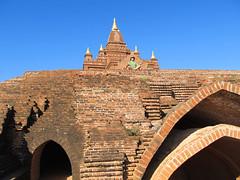 "Bagan: la pagode Pyathada Paya <a style=""margin-left:10px; font-size:0.8em;"" href=""http://www.flickr.com/photos/127723101@N04/23392755285/"" target=""_blank"">@flickr</a>"