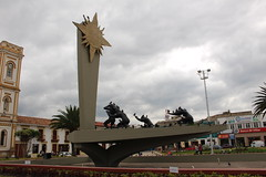 "Monumento en Sogamoso • <a style=""font-size:0.8em;"" href=""http://www.flickr.com/photos/78328875@N05/23684940082/"" target=""_blank"">View on Flickr</a>"