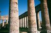 Segesta, Sicilia (OldLens02) Tags: sicilia sicile trapani leica 35mm elmar 1991 vintage palermo oldschool segesta roma erice sole spiaggia