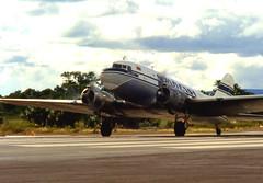 DC3 -----2 FOTO (ADRIANO ART FOR PASSION) Tags: aereo plane dc3 eliche bimotore venezuela sudamerica volo flight cabina cockpit viaggio travel juorney douglas decollo takeoff servivensa alabassa