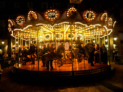 Carrousel (Leandro Fridman) Tags: madrid españa spain calesita carrousel noche nocturna night lights luces people gente europa europe