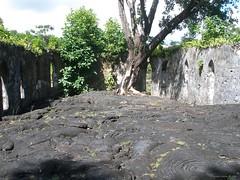 Sale'aula (Savai'i) Samoa, Südsee - zerstörte Kirche durch den Vulkanausbruch 1905 (Mt. Matavanu) / Destroyed church by the volcanic eruption 1905 (Mt. Matavanu) (cd.berlin) Tags: samoa 2009 wst ws pazifik pacific tropen südsee apw samoan islands insel polynesian polynesien savaii saleaula lavafeld lavafield lava vulkanausbruch volcaniceruption kirche zerstörtekirche church destroyedchurch cdberlin roundislandtrip inselrundfahrt traumziel dreamdestination holiday worldtraveler traveler travel nofilter traveljunkie