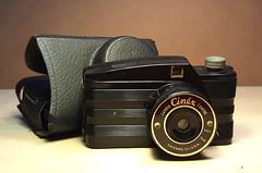 Cinex Candid Camera (orzalana69) Tags: bakelite camera chicago made plstic vintage plastic 1940s cinex candid 828 roll film
