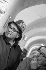 Silencio en la retaguardia (Pilonga) Tags: refugi alcoi sombrero atenció silenci 71