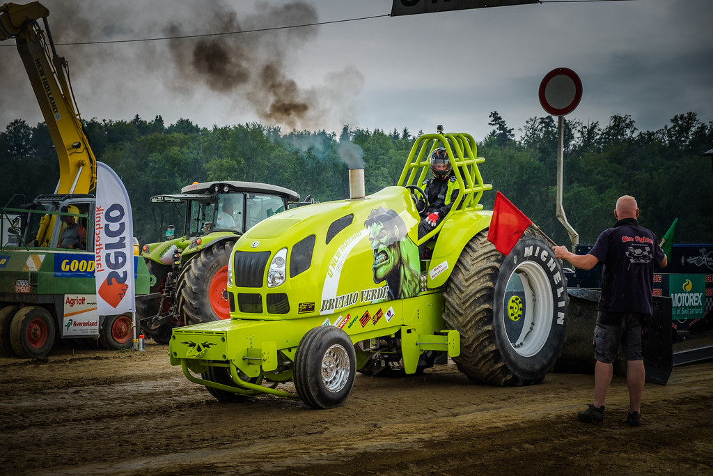 Black White An D Tractor Pulling Wagon : The world s best photos of pull and weight flickr hive mind