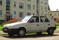 1993 Škoda Favorit 1.3 LX (rvandermaar) Tags: 1993 škoda favorit 13 lx škodafavorit skodafavorit skoda sidecode5 gzjt09 rvdm