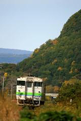 山肌に急ぎ足の秋を見ました… (saperdini) Tags: キハ40 α700 石北本線