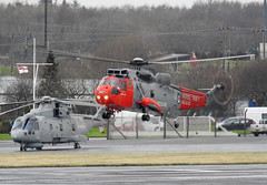 ZA130 and ZH846 (Paul Thallon - Aviation Photos) Tags: merlin westland prestwick pik seaking royalnavy eh101 egpk za130 zh846 ehindustries