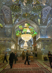 mislim shiite people hall of the shah-e-cheragh mausoleum, Fars Province, Shiraz, Iran (Eric Lafforgue) Tags: people abstract male men vertical architecture religious glasses mirror design persian shrine iran patterns muslim islam faith capital religion decoration middleeast mirrors persia mosque holy indoors mausoleum chandelier devotion shiraz orient hafez islamic illuminate glasswork shiite elaborate persiangulfstates smallgroupofpeople  onlymen mirrorwork  17184 colourimage  iro sayyedmirahmad  farsprovince aramgah westernasia