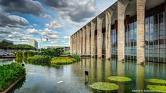 Braslia DF, Brazil: Palcio do Itamaraty (Ministry of External Relations). Architect Oscar Niemeyer (nabobswims) Tags: brazil braslia br distritofederal lightroom oscarniemeyer eixomonumental esplanadadosministrios palciodoitamaraty nabob brasliadf nabobswims praadostrspodores