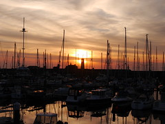 Old Watchtower sunset (Karls Kamera) Tags: yachts sunset watchtower whitehaven silhouette boats