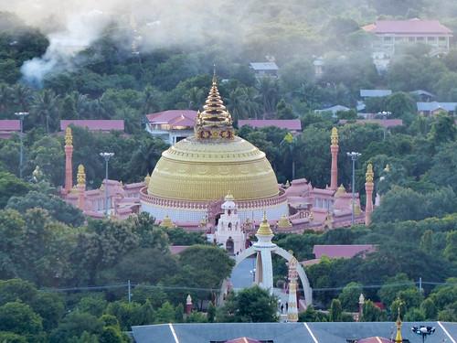 310_P1010514_SoneOoPoneNyaShin Pagoda SAGAING