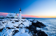 fortis (almostsummersky) Tags: horizon lighthouse portlandheadlight snowfall sunrise winter winterstorm dawn maine snow fortwilliamspark morning rocks water ocean waves travel atlanticocean rocky fortis sky park clouds coast cliff ledge capeelizabeth unitedstates us