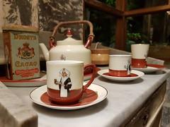 The Legendary Droste (Black_Claw) Tags: droste drosteeffect cup kitchen pot chocolate german dutch