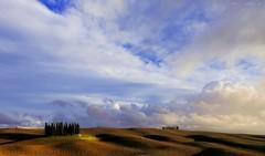 Nuvole e vento sopra i cipressi (Gio_guarda_le_Stelle) Tags: vento nuvole clouds cielo italy sky sunset tuscany valdorcia genesis landscape