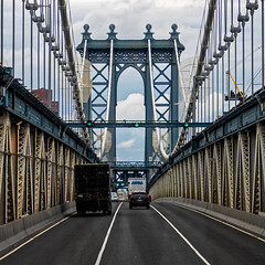 On the bridge (Lucille-bs) Tags: amérique etatsunis usa etatdenewyork newyork 500x500 route circulation pont bridge camion voiture véhicule manhattanbridge