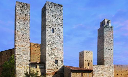 "Torres legendarias / Faros, minaretes, campanarios, rascacielos • <a style=""font-size:0.8em;"" href=""http://www.flickr.com/photos/30735181@N00/32493404016/"" target=""_blank"">View on Flickr</a>"