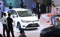 Top 10 ô tô hút khách nhất tại thị trường Việt Nam, tháng 2/2017 (nguyendinhgiao1995) Tags: tin tức xe 10 mẫu ăn khách nhất hiện nay bán chạy thị trường cx5 fortuner innova kia moring mazda ô tô toyota nao ban chay xeatu