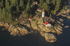 Point Atkinson Lighthouse, Vancouver, British Columbia, Canada (dorrisd/ unable to comment for a while) Tags: ocean trip lighthouse canada building architecture vancouver landscape faro high rocks bc view pacific britishcolumbia flight shoreline rocky aerialview panoramic boulders coastal pines shore granite vista inlet coastline farol beacon phare vuurtoren navigation seaplane fyr leuchtturm luchtfoto westvancouver dehavilland kust rotsen faros fyret vliegen 灯台 watervliegtuig teachsolais highangleview 灯塔 navigatie panoramisch dehavillandcanadadhc2beaver dorrisd mienekeandewegvanrijn commentbygwlap passengerhauling