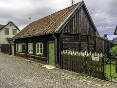 Visby ancient (Tony Tomlin) Tags: sweden medieval unesco gotland visby hanseatic walledtown