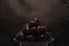 Frukter (Annica Spjuth) Tags: stilllife stilleben plums plommon frukter fotosondag fs150806