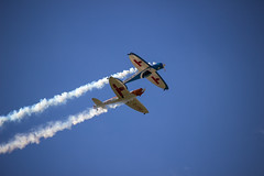 (mc_mathys) Tags: blue sky orange canon lens team smoke duo bleu ciel silence planes twister fume 600d swip 55250 zwip bnifontaine jinnx