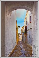 Ruelle andalouse après l'orage (GilDays) Tags: street españa white town spain alley nikon village arcade andalucia espana ruelle andalusia rue espagne blanc ville andalousie allée arcosdelafrontera d810 nikond810 anda0915