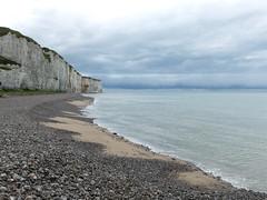 Washed-out sky (michelle@c) Tags: landscape seascape uncieldelavis shinglebeach cliffs greys saintvaleryencaux hautenormandie explore michellecourteau
