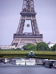 01 (magda paul) Tags: bridge paris eiffeltower tenis toureiffel wimbledon paryż wieżaeiffla