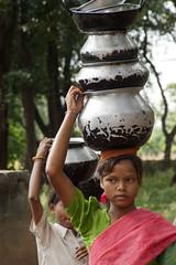 Bastar - Chhattisgarh - India (wietsej) Tags: woman india children minolta 7 7d dynax maxxum xi 28105 wietse chhattisgarh jongsma bastar