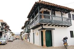 "Portones de madera en Villa de Leyva • <a style=""font-size:0.8em;"" href=""http://www.flickr.com/photos/78328875@N05/23143887653/"" target=""_blank"">View on Flickr</a>"