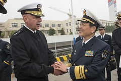 Adm. Scott H. Swift, commander U.S. Pacific Fleet, greets Vice Adm. Su Zhiqian, the East Sea Fleet Commander of Chinese People's Liberation Army (Navy). (Official U.S. Navy Imagery) Tags: heritage america liberty freedom commerce unitedstates military navy sailors fast worldwide tradition usnavy protect deployed flexible onwatch beready defendfreedom warfighters nmcs chinfo sealanes warfighting preservepeace deteraggression operateforward warfightingfirst navymediacontentservice