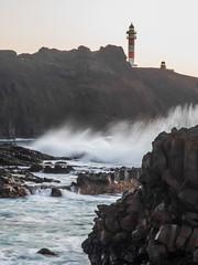 Punta de Teno (Lando85) Tags: costa faro mar canarias tenerife rocas ola riscos puntadeteno