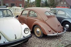 VW Classics, December 2015 (Ronald_H) Tags: leica classic film car vw bug volkswagen air beetle screen classics split expired bril c1 someren aircooled cooled bretzel 2015