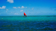 Kleines Segelschiff nahe Waterfront Mahébourg/Mauritius (Frank-Oh!-phil) Tags: sailingboat rot red segelboot mauritius