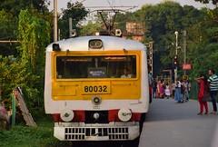 Train to Ballygunge (victoriaei) Tags: india calcutta kolkata october outdoors streetscenes train station people railway travel d5300 indianstreetphotography streetphotography asia nikon
